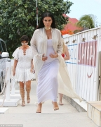How the Kardashians Dresses for a Lunch on Holiday