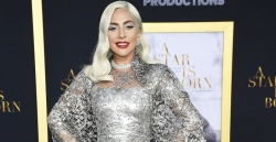 Lady Gaga Was Dripping In Silver At Her A Star Is Born Premiere