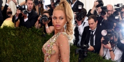 OH GOSH! BEYONCÉ WORE THE MOST NAKED DRESS TO THE MET GALA