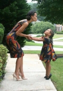 10 Mother-Daughter Outfits To Show You How Elegant Matchy-Matchy Look Can Be