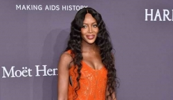 Naomi Campbell's Dress Will Tell You She's All About Modern Glamour