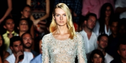 18 NAKEDEST Looks from NY Fashion Week You Should Not Wear Without Bra