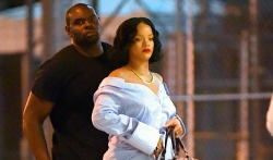 Rihanna Dressed Up The Distressed Jeans With The Most Amazing Shoes