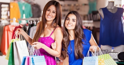 A Guide On How A Mother Can Help Her Daughter In Buying A Prom Dress