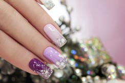 Christmas Nail Designs To Make You Stand Out