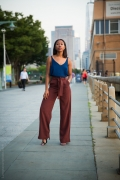 How Fashion Girls Wear Their Favorite Wide Leg Pants