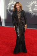 See The Looks Of The Best Dressed Celebs From The MTV VMAs