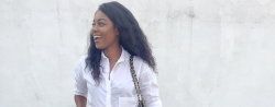 Yvonne Nelson Cut A Chic Figure In Ankle Denim And A Crisp White Shirt